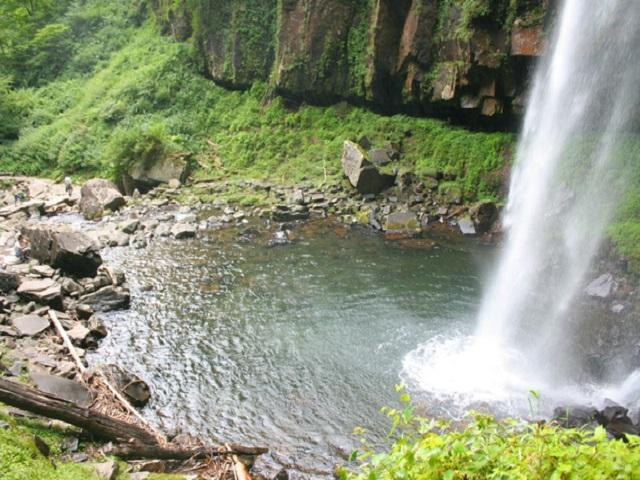 Amidagataki Waterfall