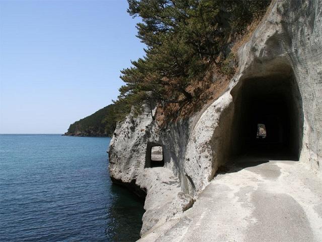 Fukuura Tunnel