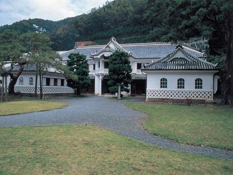 松崎・重文岩科学校