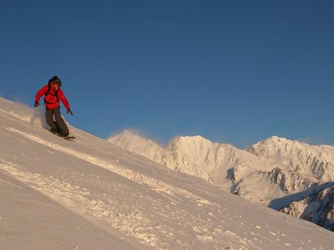冬_白馬三山とスノーボーダー