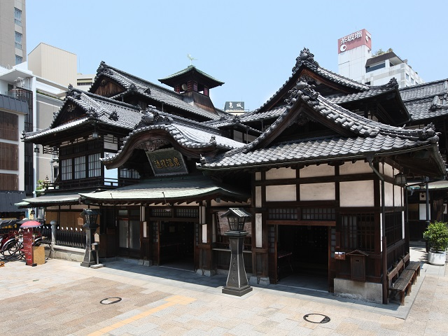 Dogo Onsen main building