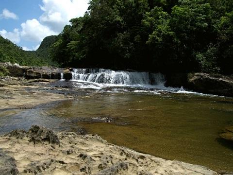 カンピーレの滝