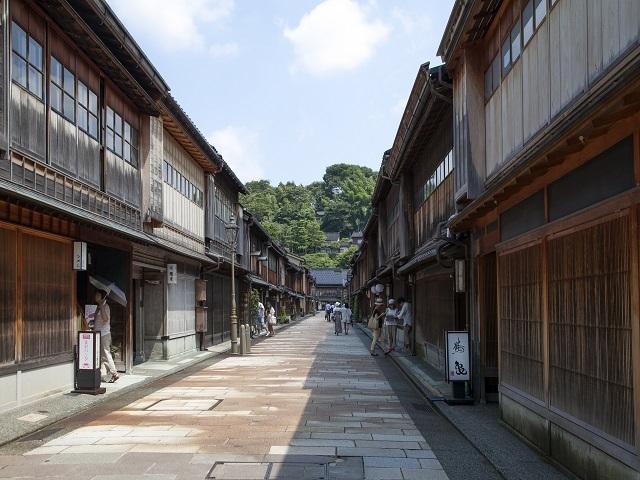 Higashi-chayamachi