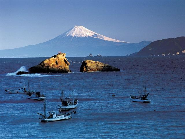 Ushitsuki Rock