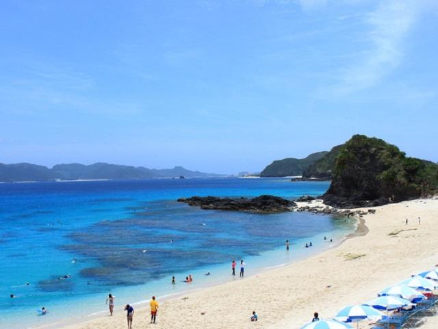 Furuzamami Beach