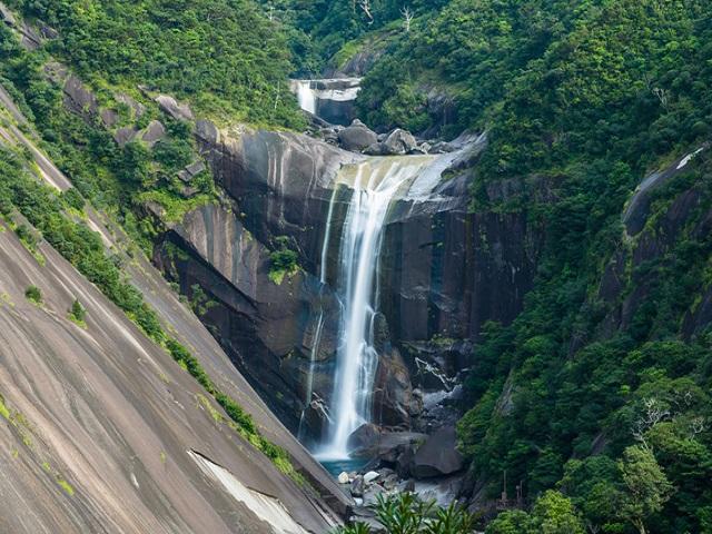 Senhiro Waterfall